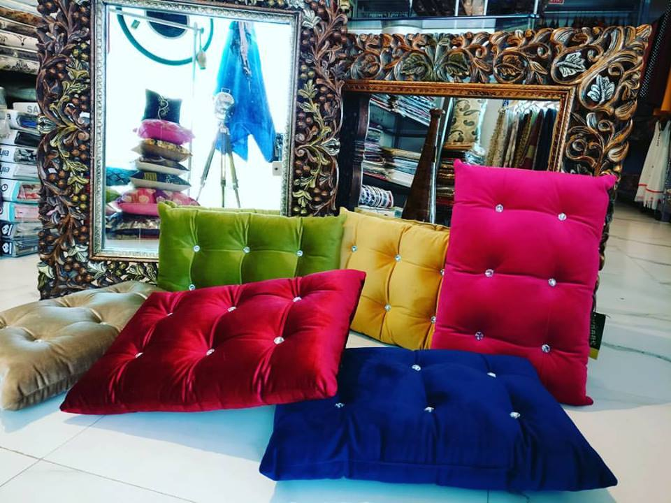 Exquisite Home Decor And Furnishing Showroom In Kanpur