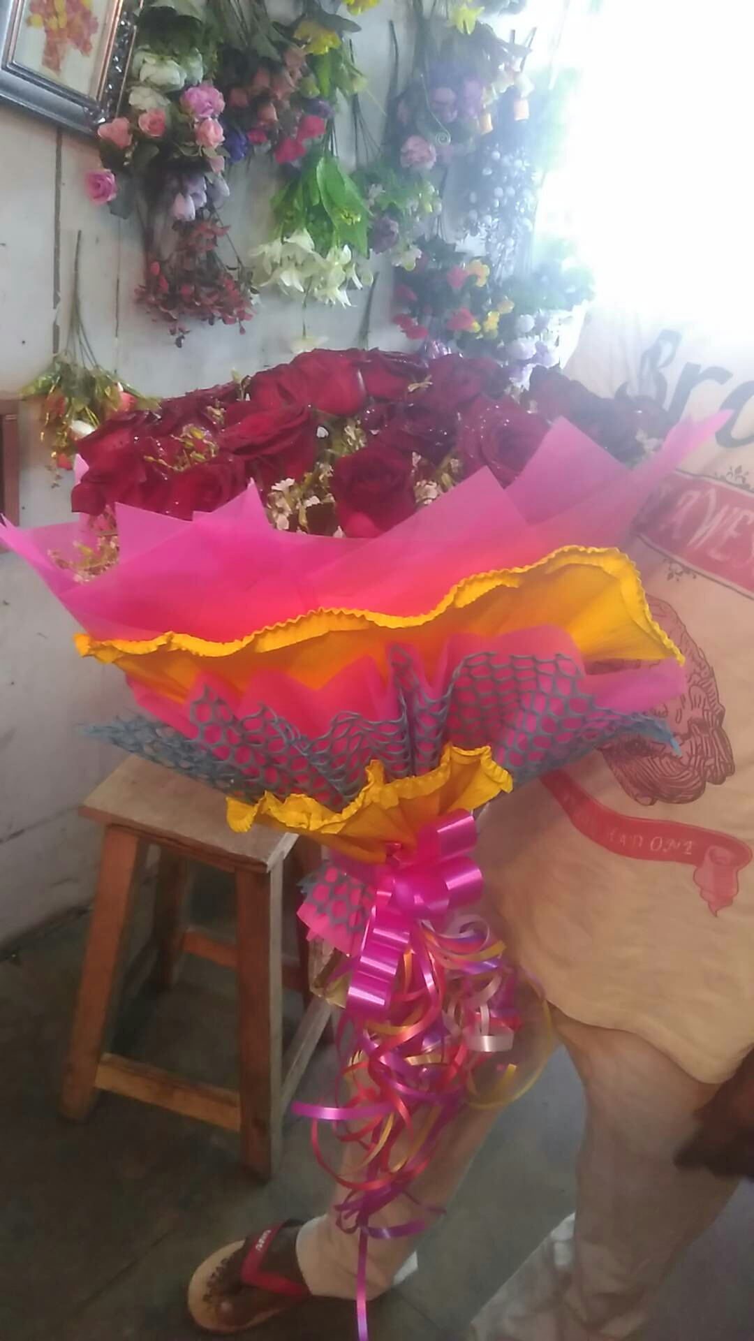 flower delivery in kanpur Valentin