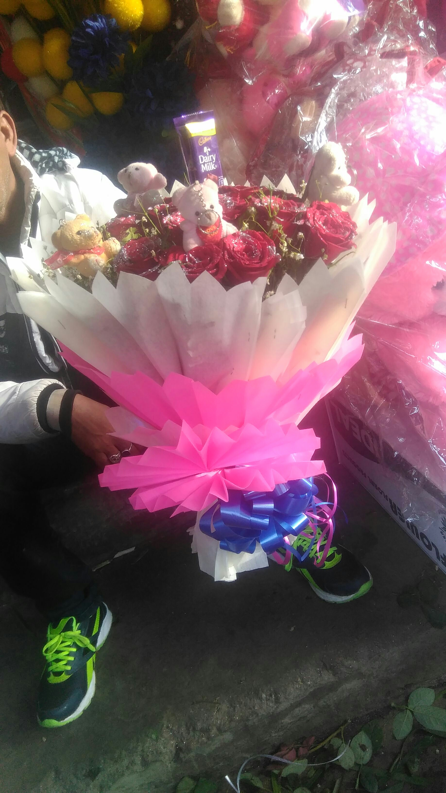 mother s day flower cake delivery in kanpur shivani
