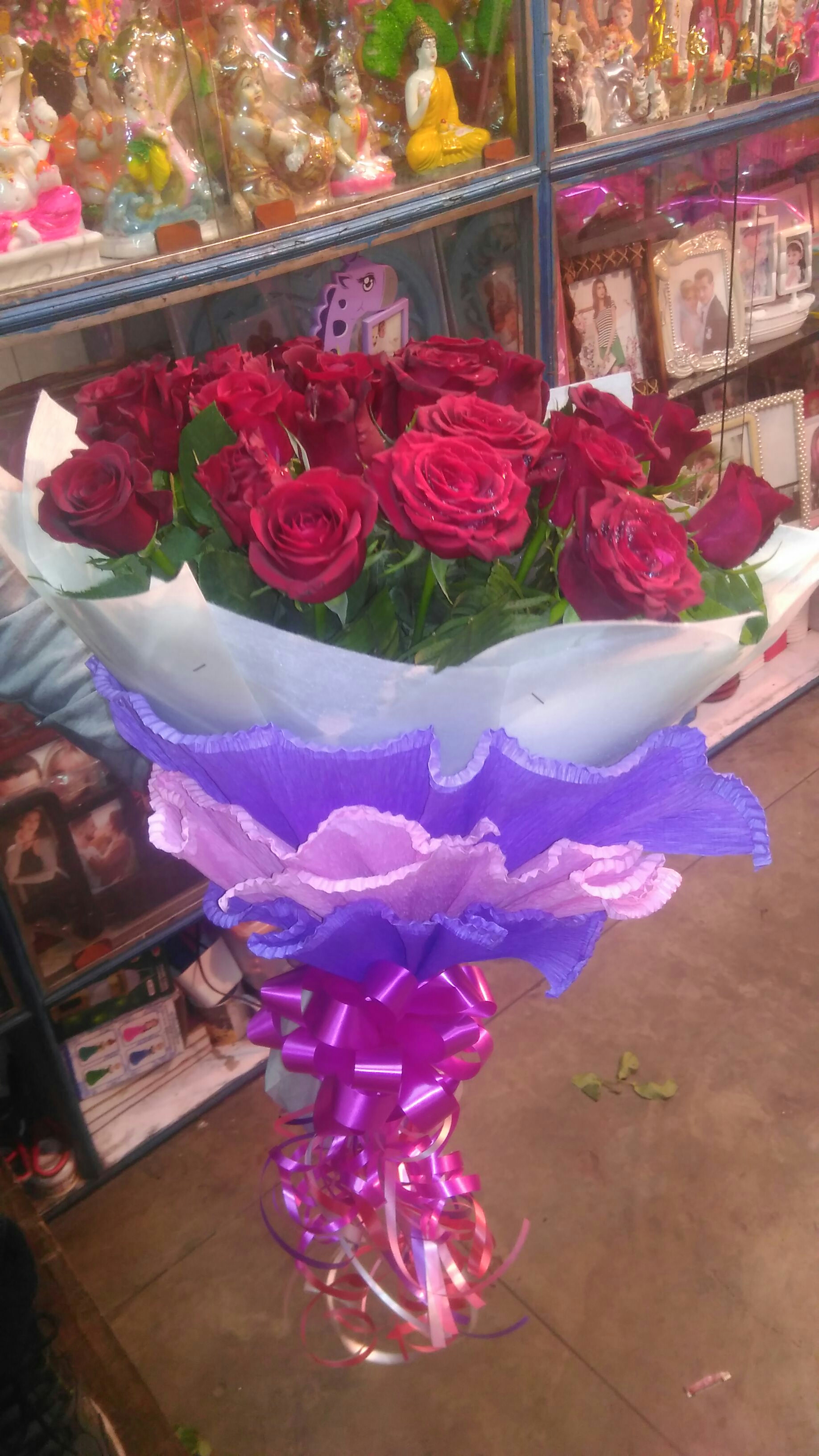 50 Rose bunch 999 delivery in kanpur Any color