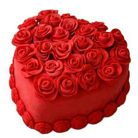 Hearts shape Love cake delivery in kanpur