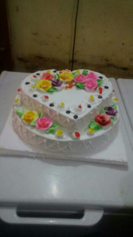 mother s day cake delivery in kanpur