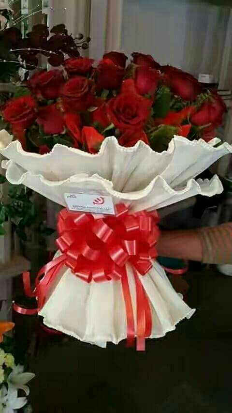 Gift cake flower delivery in kanpur shivani flower