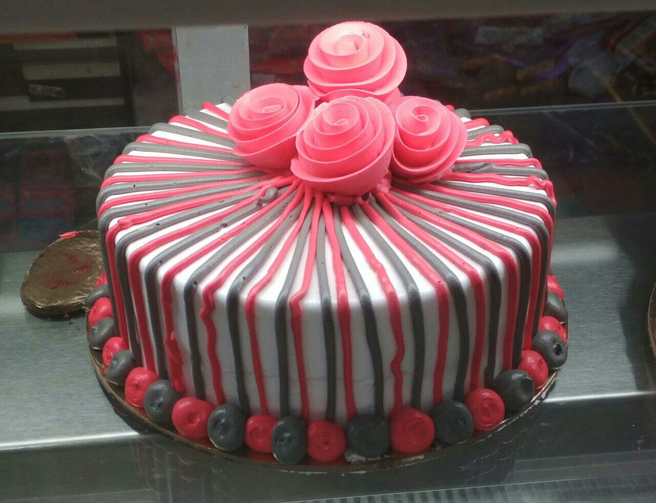 mother s day flower cake Greeting card gift delivered to kanpur