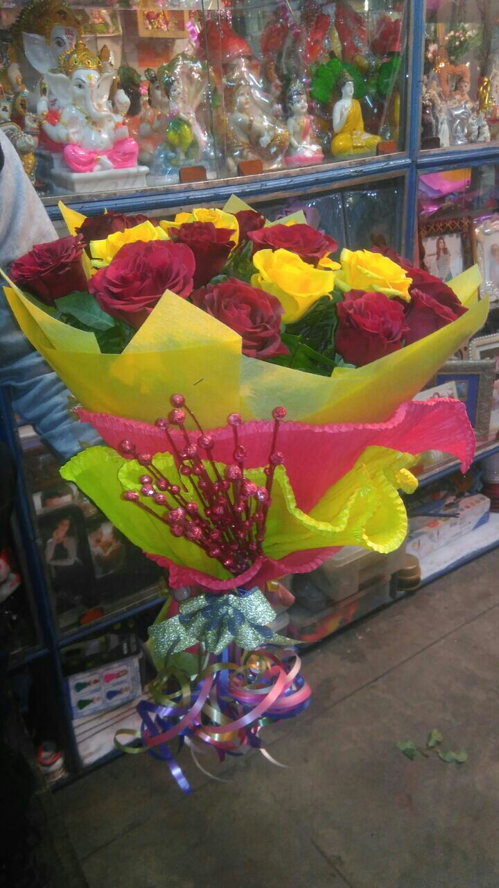 valentine's day cakes flowers delivered to Kanpur