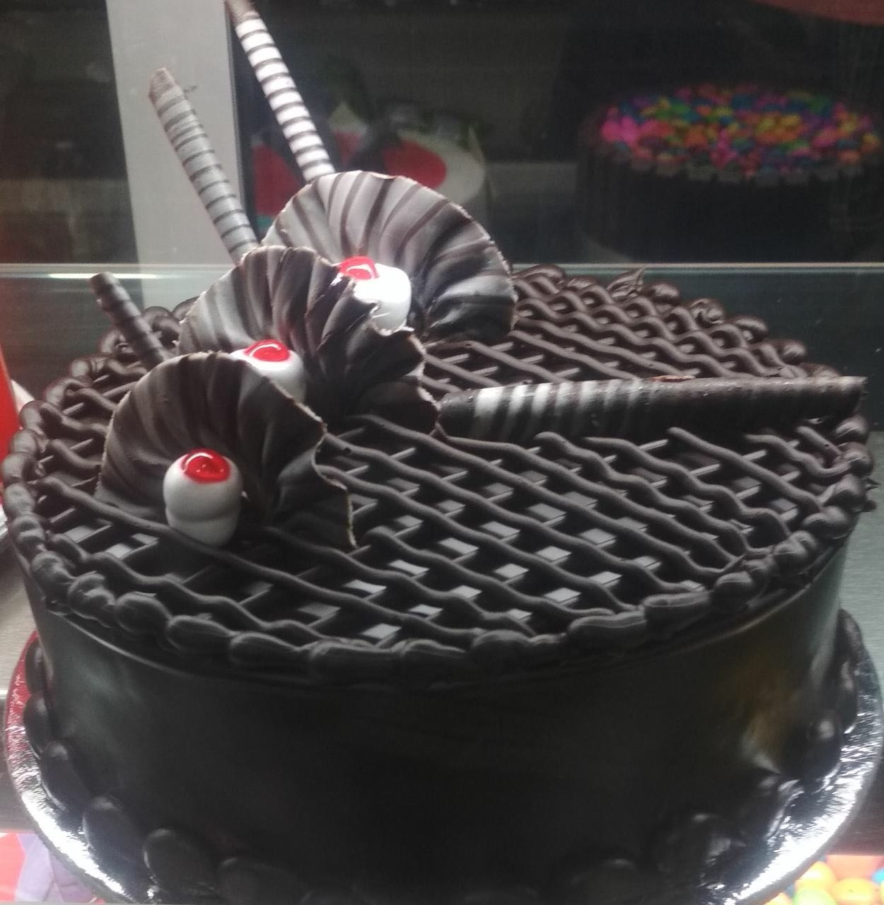 New year cake flowers delivery in kanpur