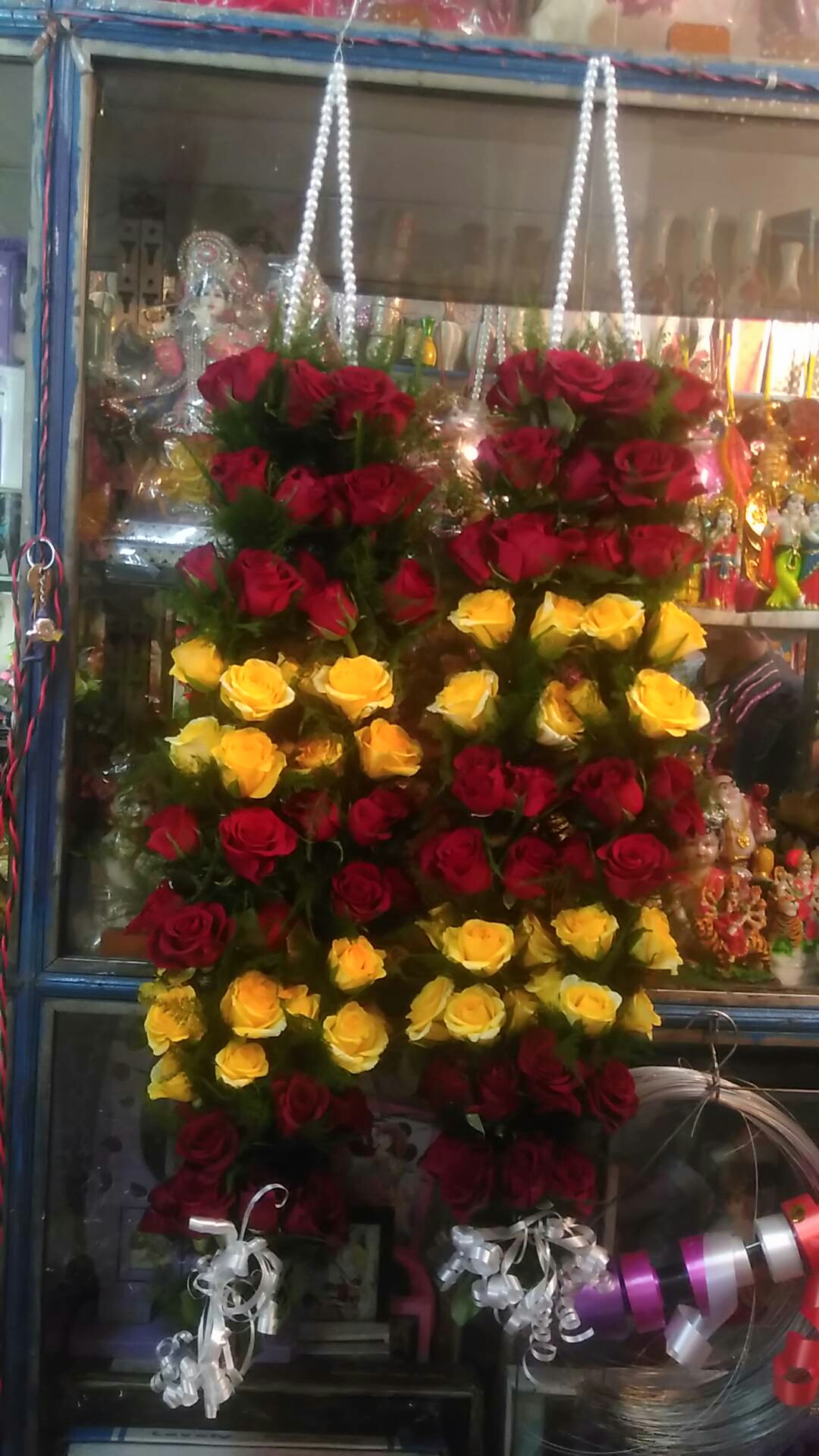 Jaimal Red Rose hello Rose delivery in kanpur